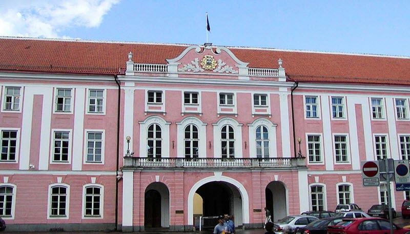 Toompea - Dombergets slott